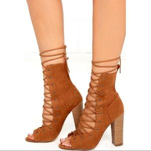 ✨ LULU'S TAN LACE-UP HIGH HEEL BOOTIES ✨